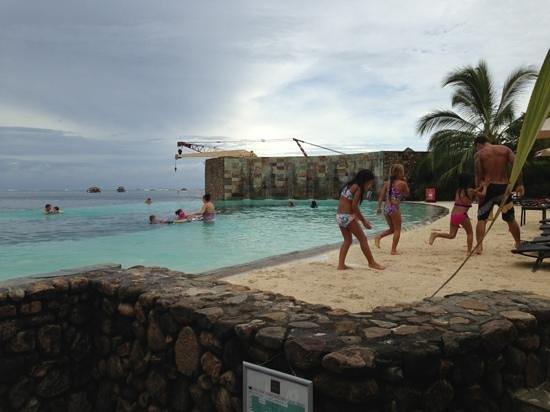 Manava Suite Resort Tahiti: piscina