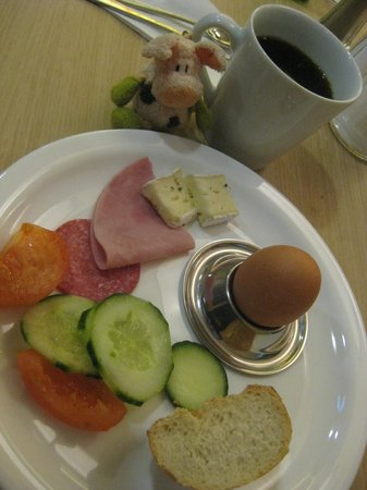 MEININGER Hotel Frankfurt/Main Messe: The breakfast