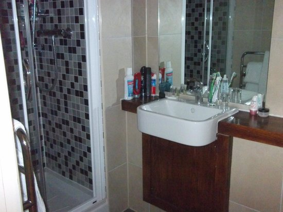 The Kings Arms Hotel: Bathroom