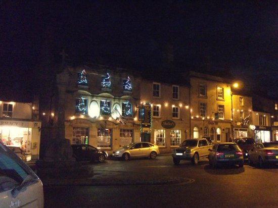 The Kings Arms Hotel: Pre Christmas.