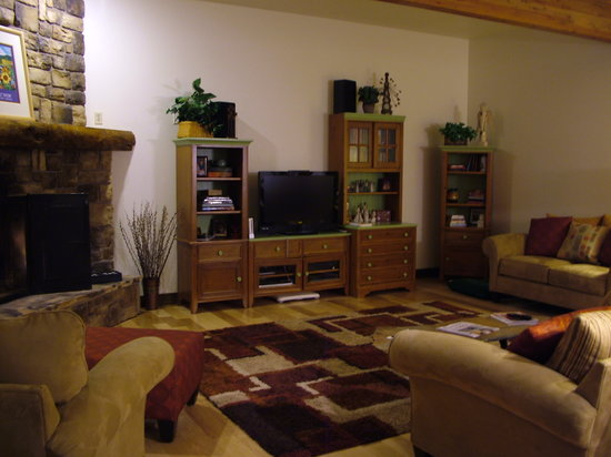 Blue Spruce Bed and Breakfast: Common area