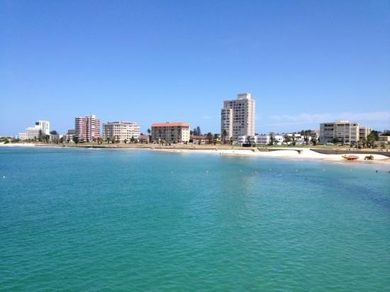The Beach Hotel: beach opposite hotel