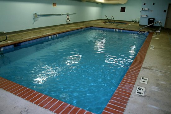 Evergreen Inn and Suites: Indoor Pool and Spa