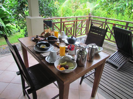 Le Domaine de L'Orangeraie Resort and Spa: lepetit dejeuner