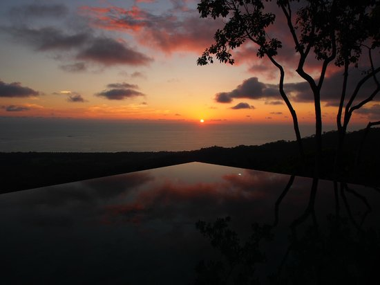 Kura Design Villas Uvita:                                     Sun set 2