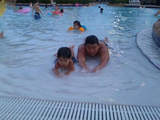 Hilton Orlando Bonnet Creek: They enjoyed every minute of being inside the lazy pool