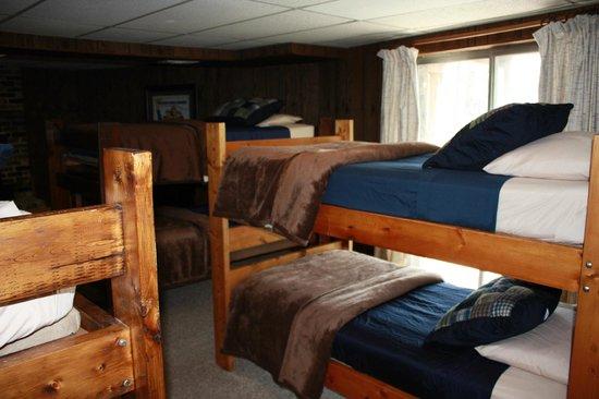 Beau Lake Ocoee Inn U0026 Marina: Cabin 16 1st Floor Bunks