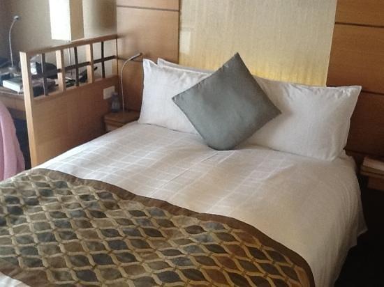 Hotel Niwa Tokyo: double bed