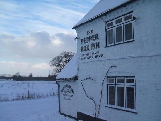 The Pepper Box Inn: snow!!