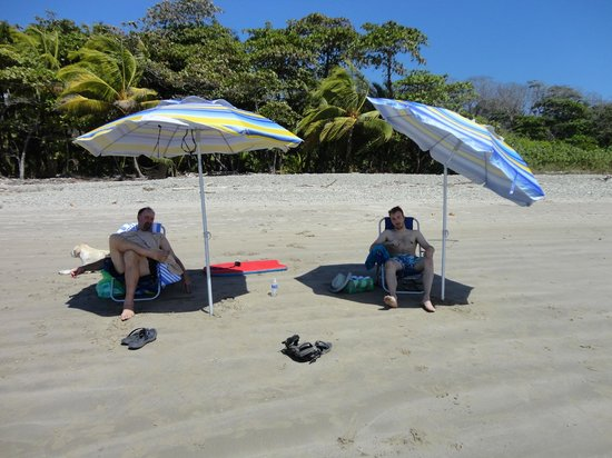 Villas Hermosas: Chill at beach