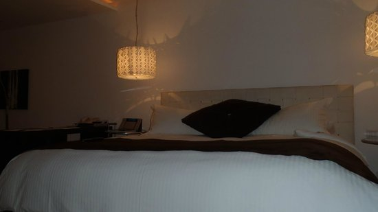 Le Parc Hotel: Incredibly comfy bed