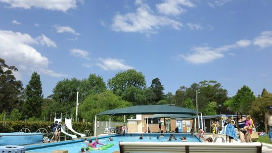 Morvern Valley Guesthouses: fun time at the pool