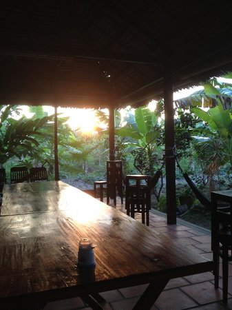 Ba Linh Homestay : sunset