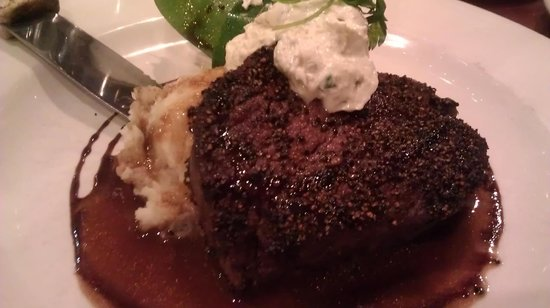 David's Restaurant : Filet with blue cheese and mashed potatoes