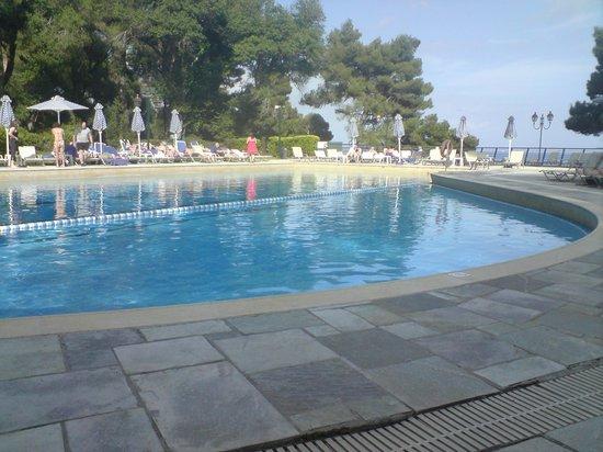 Corfu Holiday Palace: Swimming pool