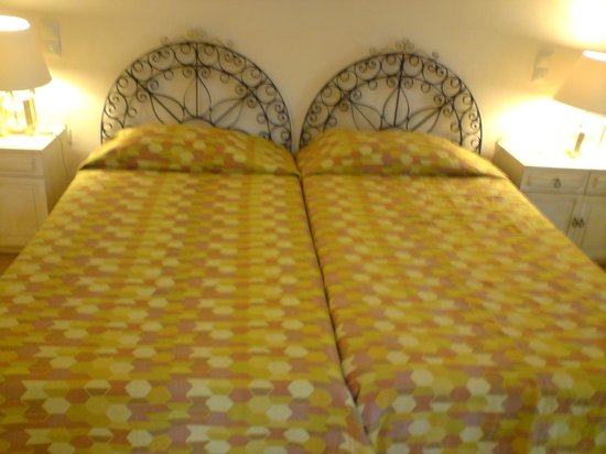 Corfu Holiday Palace: Beds in Studio Appartments