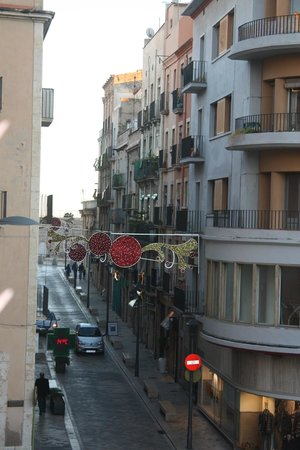 Hotel Placa de la Font: View from second floor - Roman Circus at the end of the street