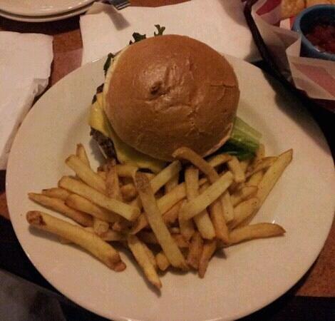 TGI Friday's: Angus cheeseburger
