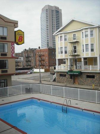 Super 8 Atlantic City: Vue de notre chambre, soit vers les casinos et le boardwalk!