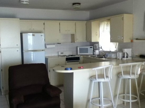 Harbour View Apartments and Studios : Full Kitchen