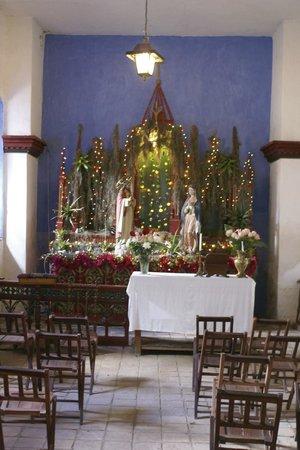 Hacienda Pinsaqui: The chapel at Christmas