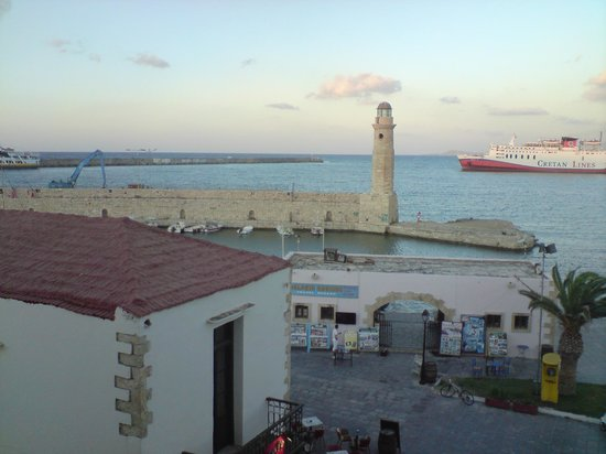 Faros Beach Hotel: View from dining area