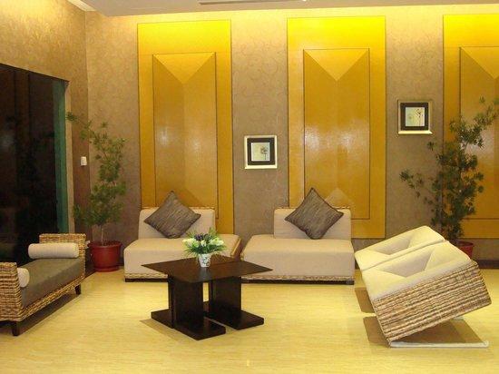 Borneo Cove Hotel: Lobby