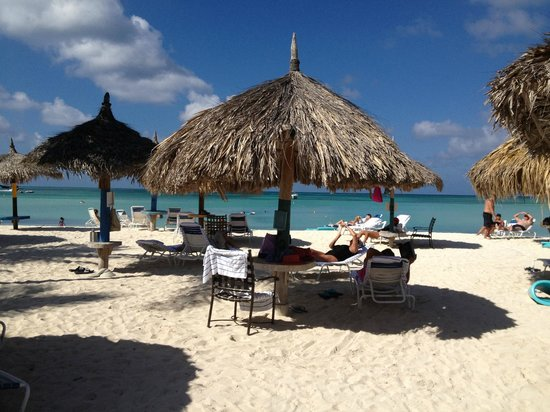 Aruba Marriott Resort & Stellaris Casino: Palapas and Beach at Marriot - heavenly