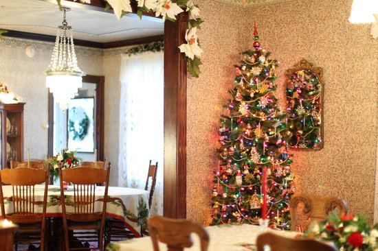 Albert Stevens Inn: Christmas