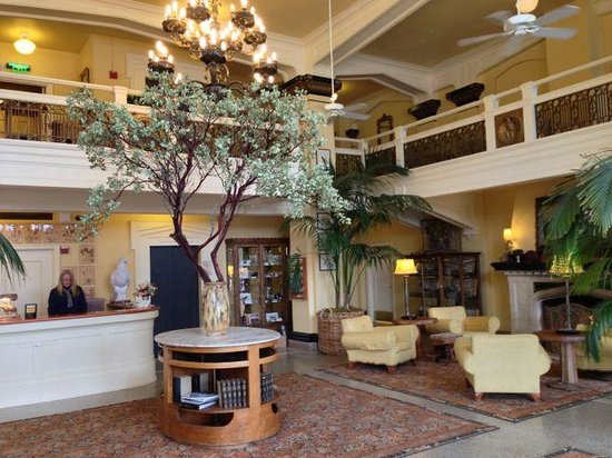 Ashland Springs Hotel: View of the main lobby
