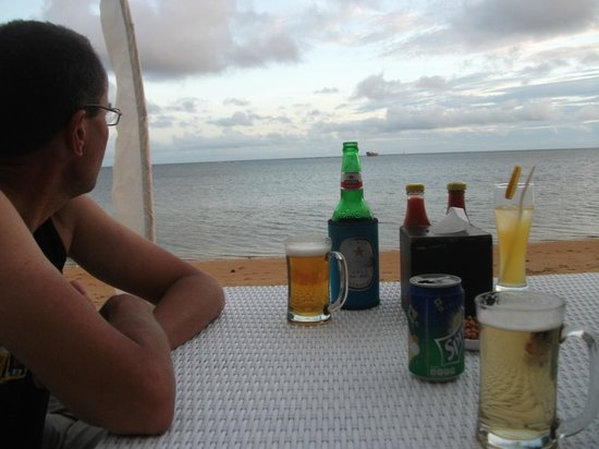 Villa Puri Ayu: drinks at the beach