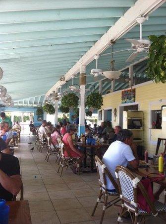 Southernmost Beach Cafe: interno