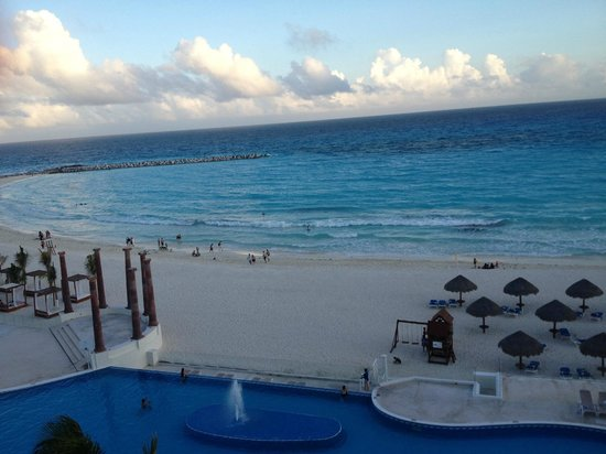 Krystal Cancun: view from room's balcony