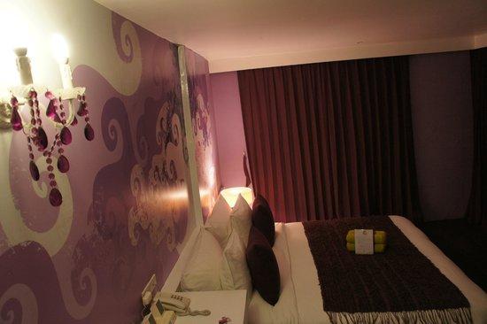 Seven Hotel : Purple Room