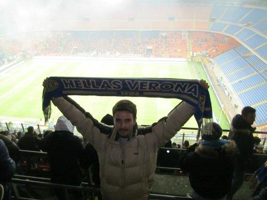 Stadio Giuseppe Meazza (San Siro): San Siro'da Verona'yı destekleyen bir Türk olarak