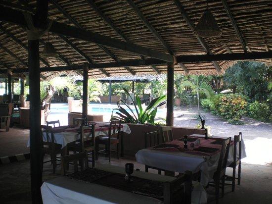Kilwa Kisiwani: Zwembad vanuit restaurant