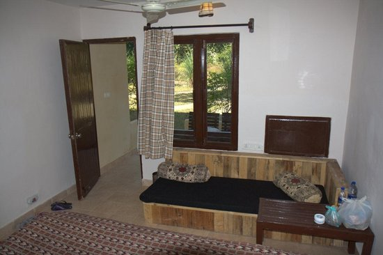 Muba At Mukki, Kanha : Bedroom