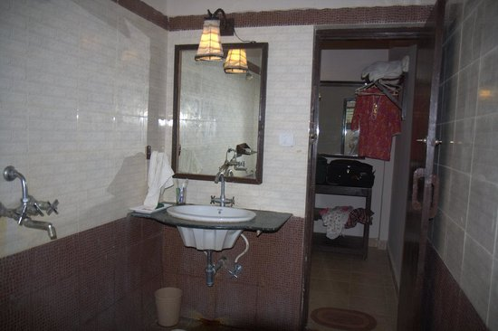 Asteya Kanha: Bathroom