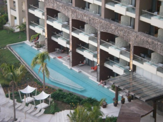 Now Amber Puerto Vallarta: Preferred suites with swim out