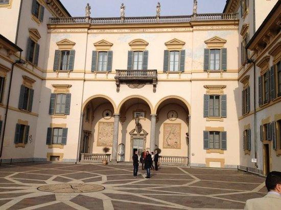 Hotel Villa San Carlo Borromeo: Villa cortile