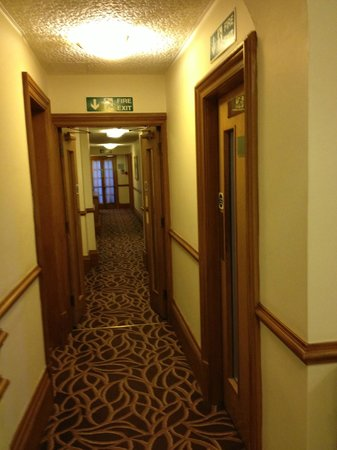 County Hotel: Passage