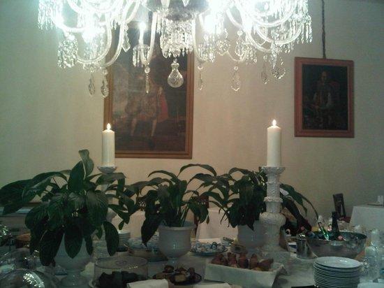 Palazzo Magnani Feroni: breakfast room