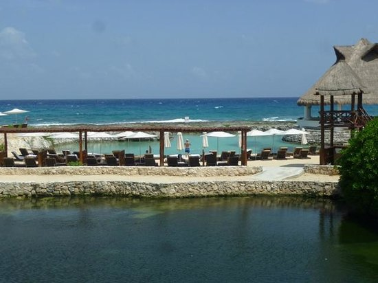 Heaven at the Hard Rock Hotel Riviera Maya: View looking out from the bridge at ASP