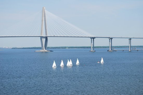 Charleston Harbor Resort & Marina: sailing class-college on grounds