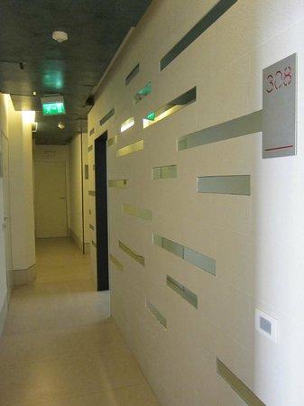 Savoy Hotel : 3rd Floor Corridor