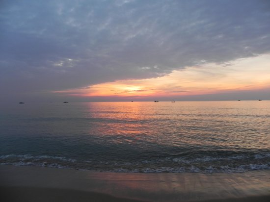 Paris Beach Village Phu Quoc: Sunset