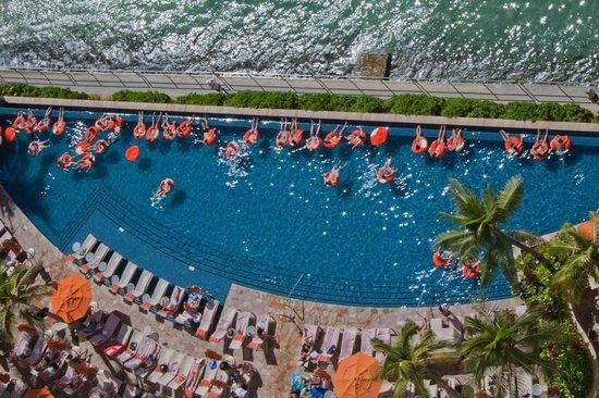 Sheraton Waikiki: view of infinity pool