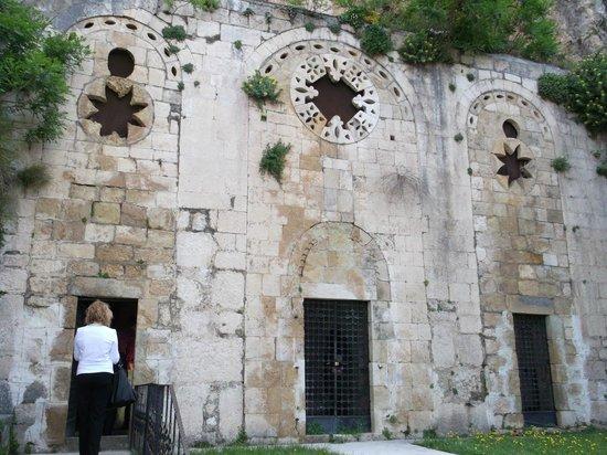 St Pierre Kilisesi: The cave church