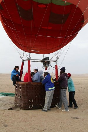 African Adventure Balloons: Almost airborne