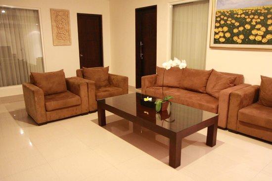 Bali Yubi Villa: livingroom